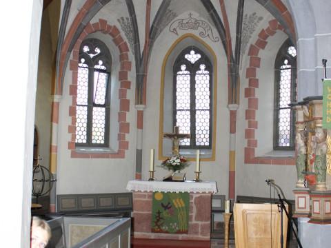 Chorraum-der-Jakobskirche in Langenstein